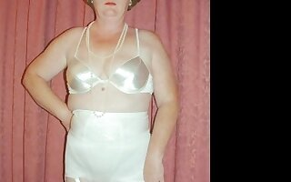 ILoveGranny Homemade Right stuff with matures in gallery