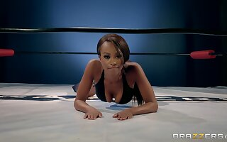 Hot ebony babe goes full mode in lesbian gyrate fight XXX play