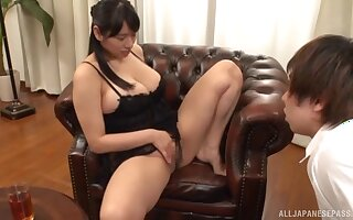 Stunning chick Haruna Hana loves scraping the brush cunt in show of a guy