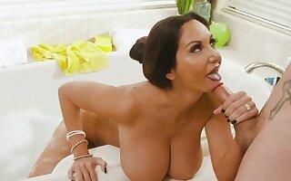 Full-grown mom pornstar Ava Addams - Big fake tits in bathtub hardcore