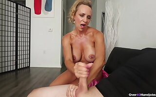 Blonde mature wants some sperm beyond those fine melons