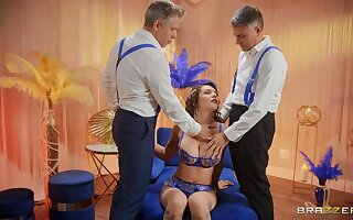Anal threesome gives cultured Gabbie Carter all she craved