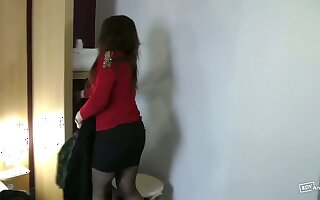 Cheating married milf rides a big dick in a hotel room